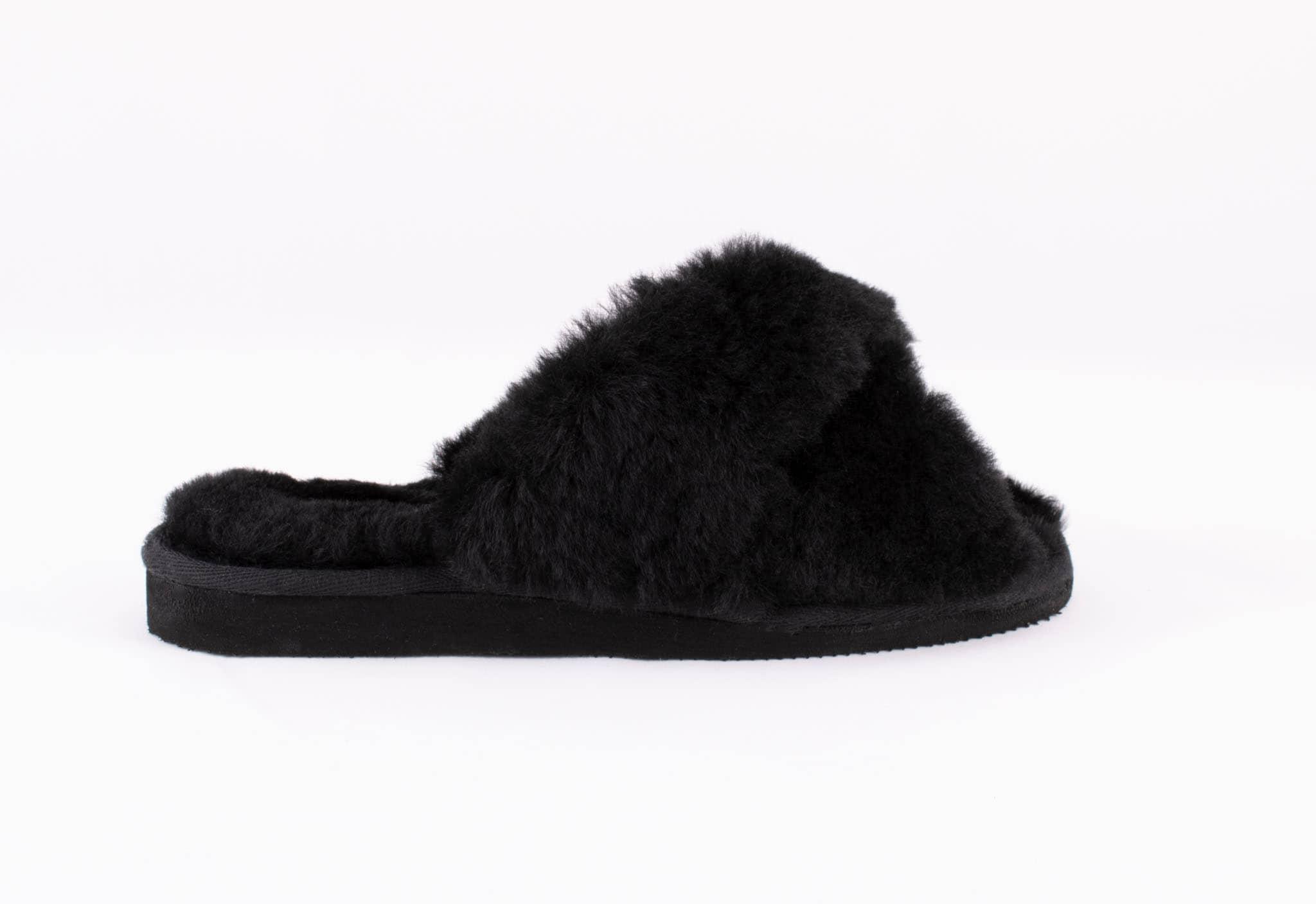 Lovisa sheepskin slippers