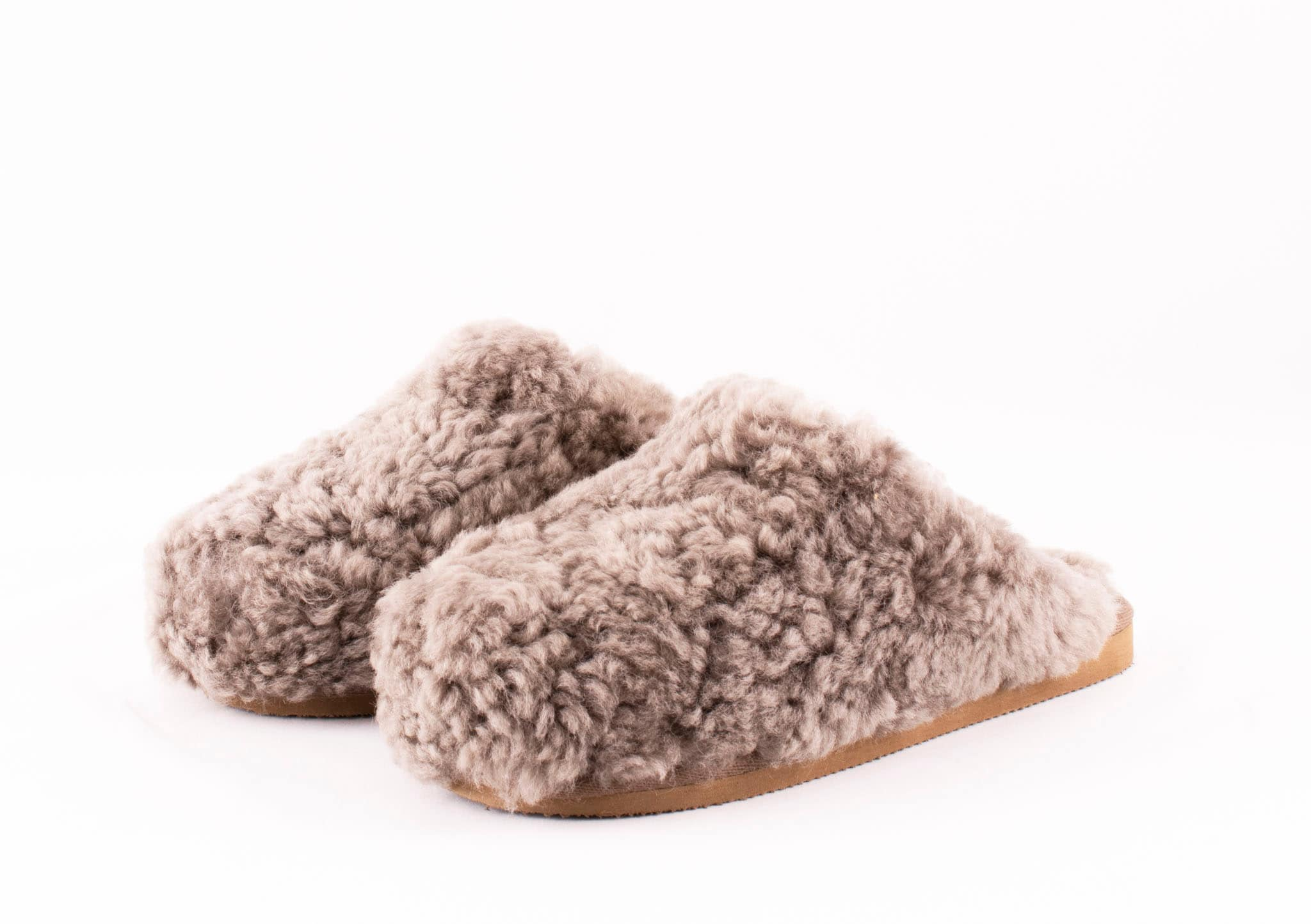 Shepherd sheepskin slippers to women