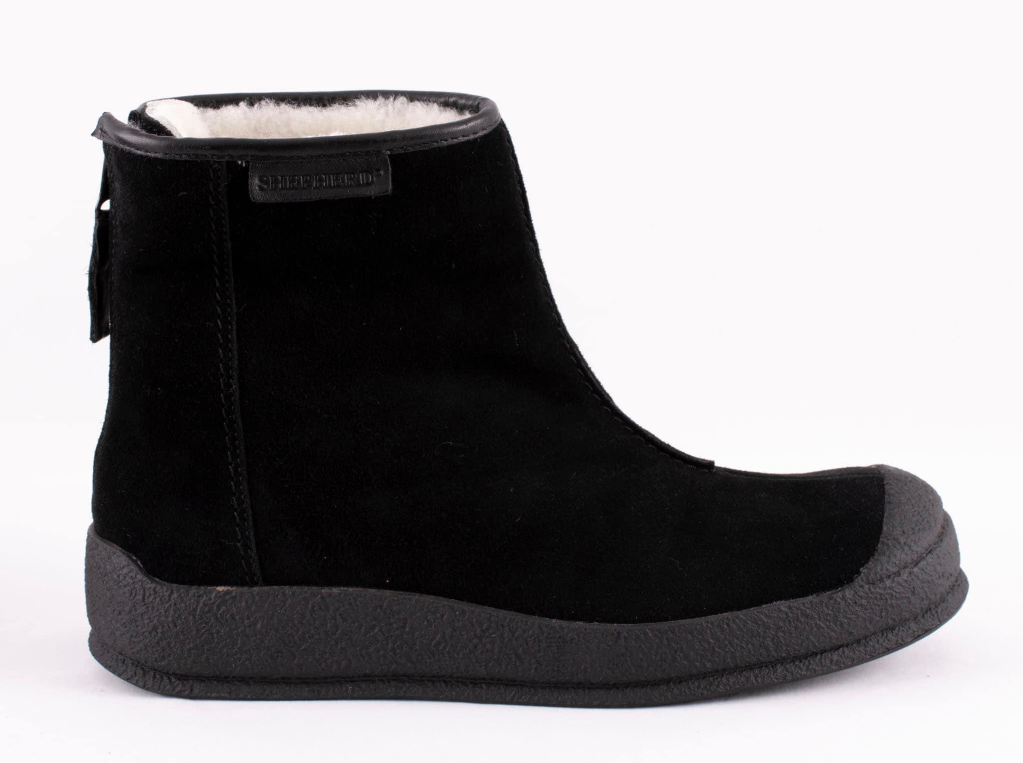 Loke suede boots