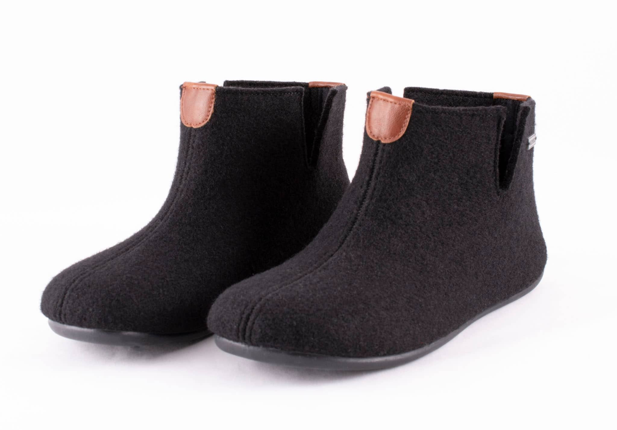 Erik wool slippers Black