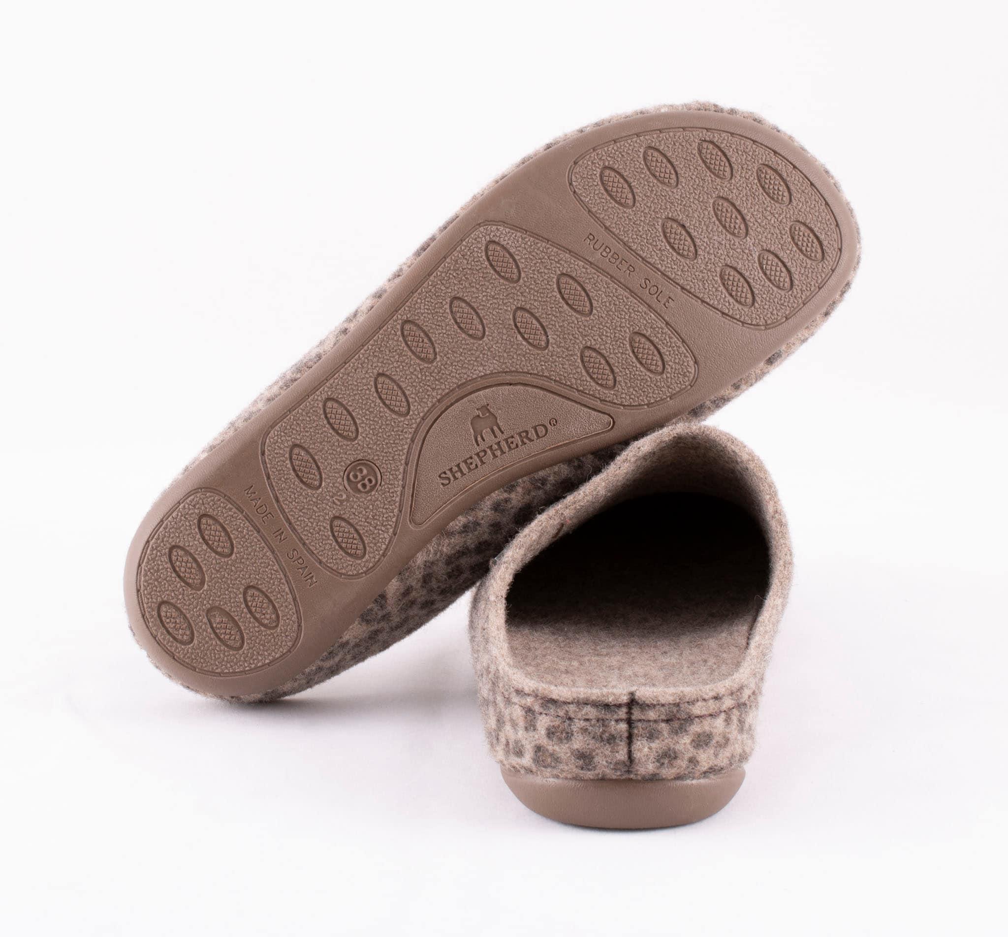 Cilla wool slippers Leopard patterned