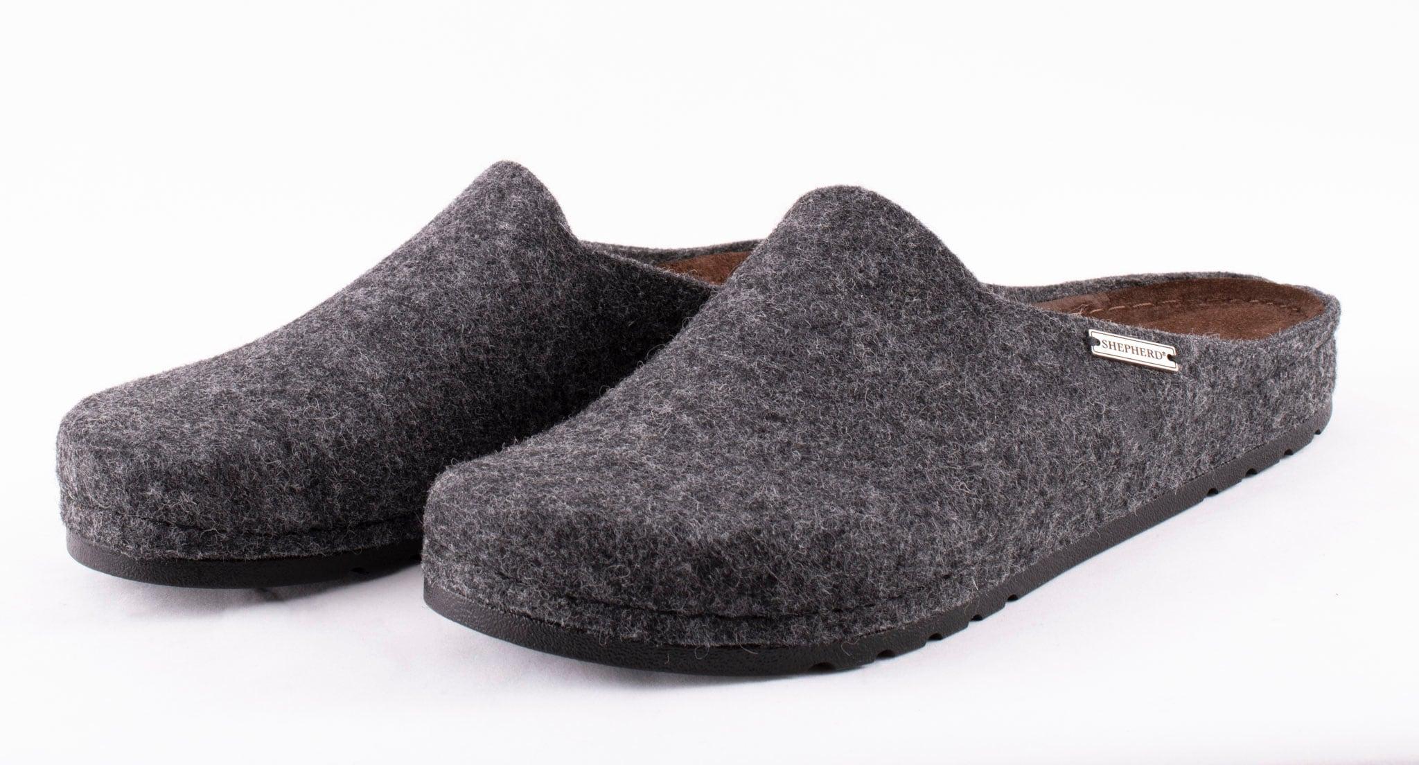 Isak wool slippers Black