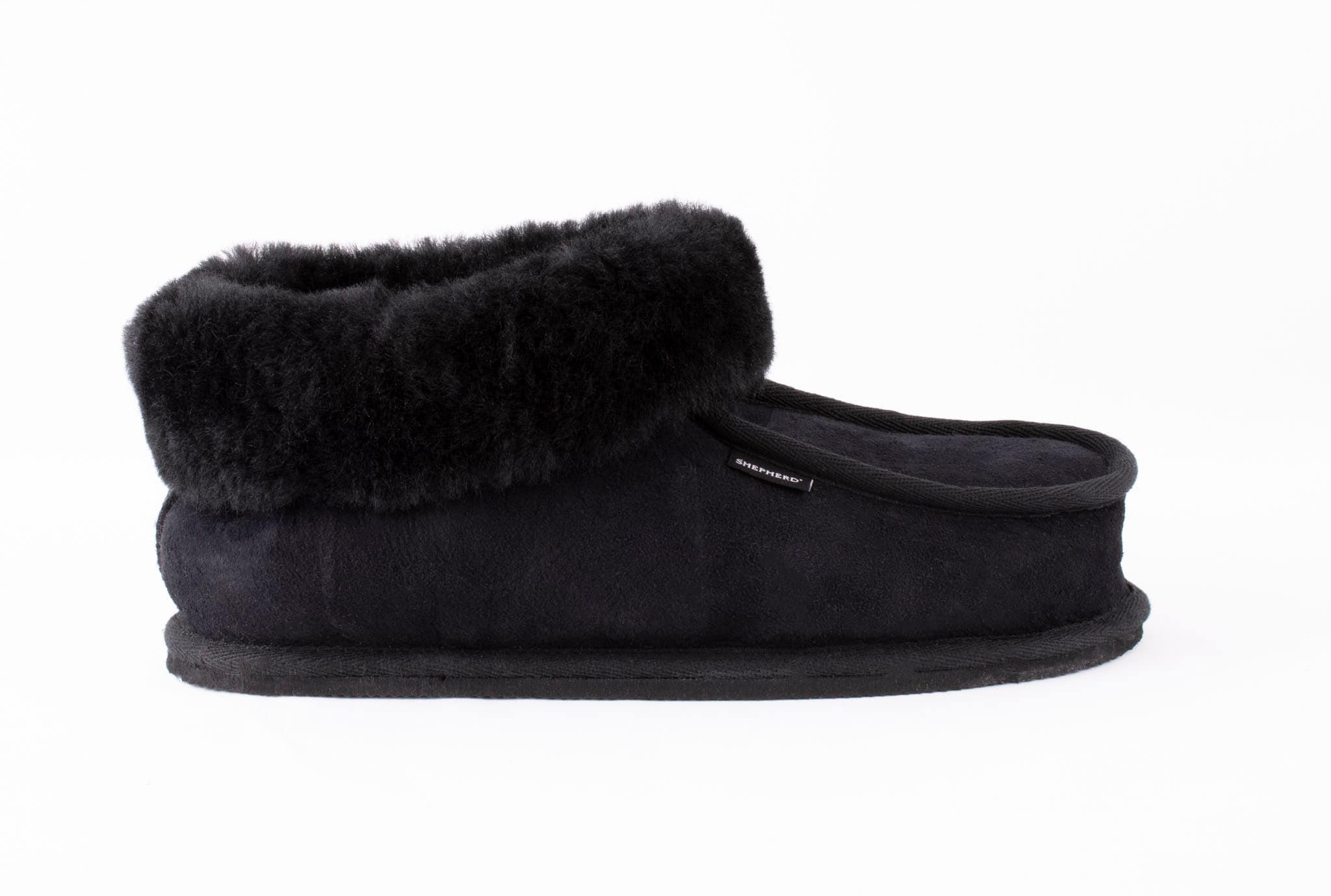 Krister sheepskin slippers Black