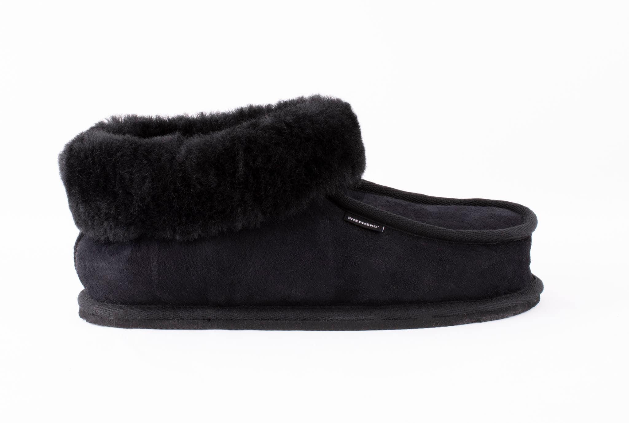 Krister sheepskin slippers Black