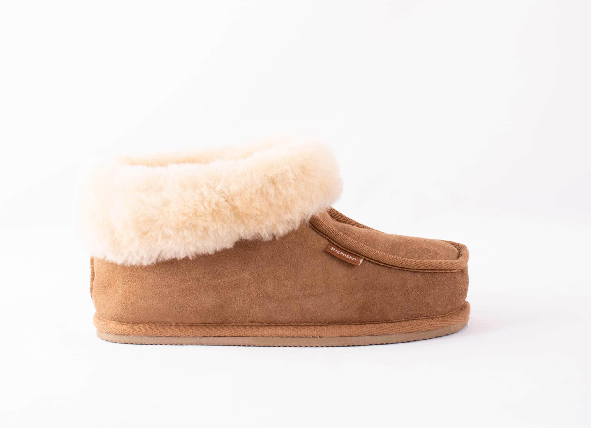 Lena sheepskin slippers