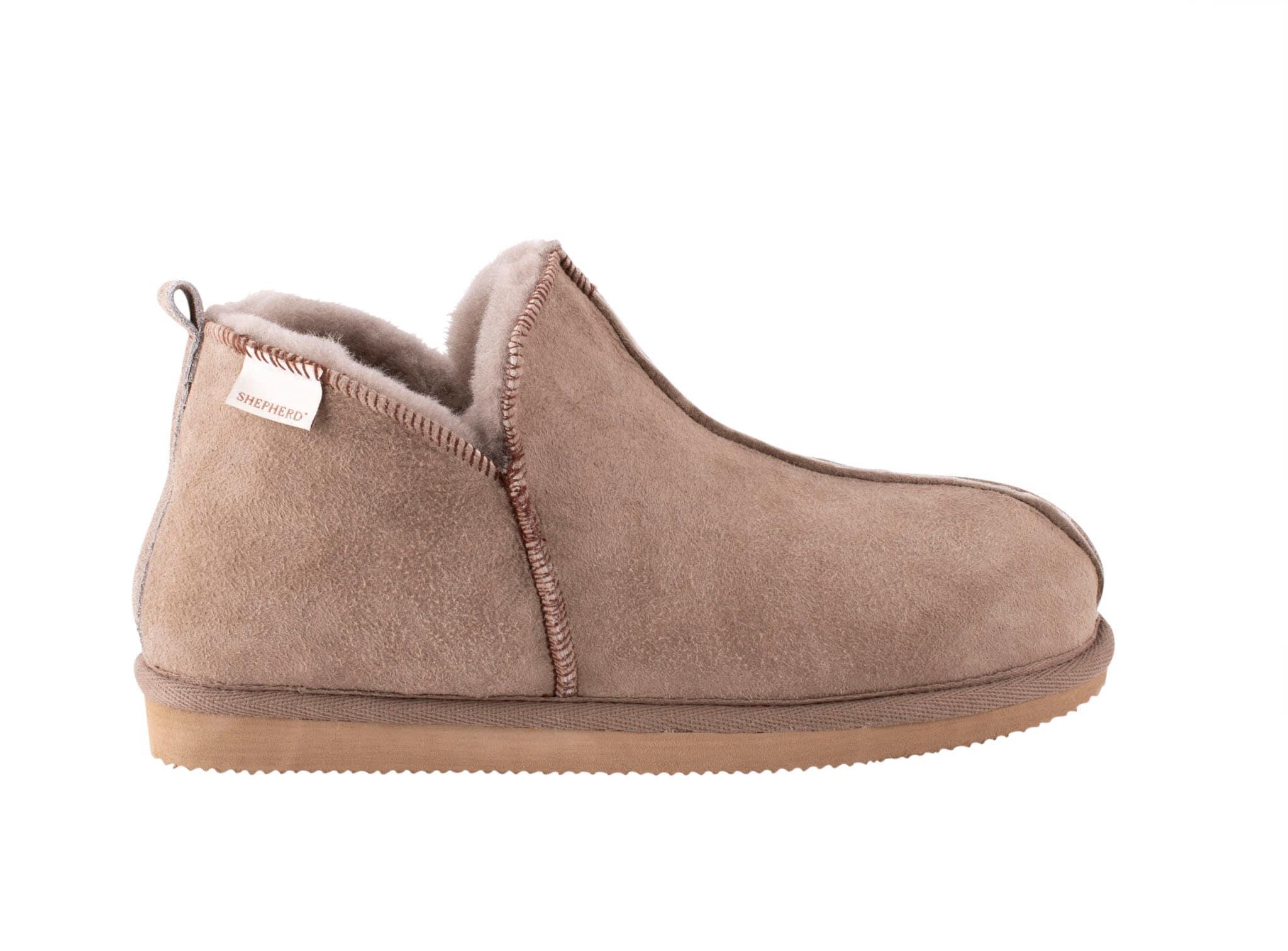 Shepherd Annie sheepskin slippers