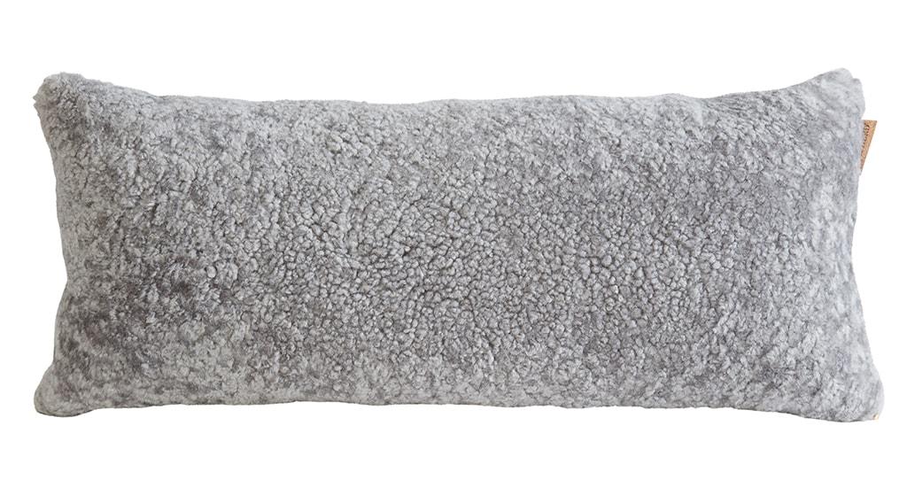 Lina fårskinnskudde, ullbaksida 60x25cm